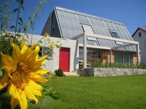 Sonnenhaus-Solaranlage